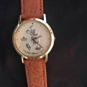Vintage Mickey Mouse watch. Lorus Quartz. Leather